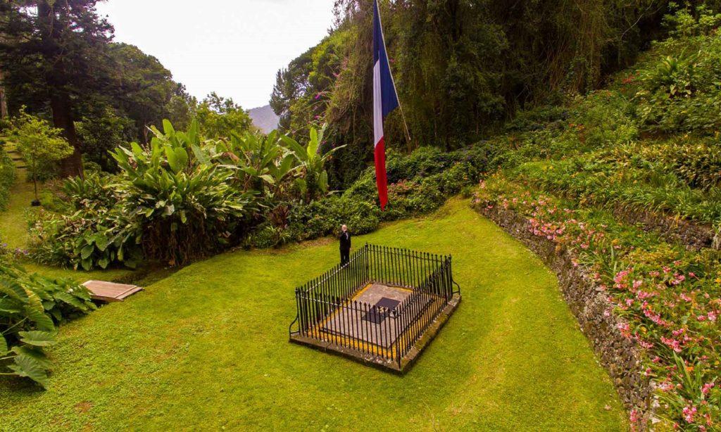 Exclusif - Bicentenaire de la mort de Napoléon à Sainte-Hélène - Tombe de Napoléon
